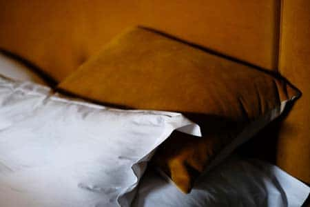How to Find the Right Pillow Based on Your Sleeping Position
